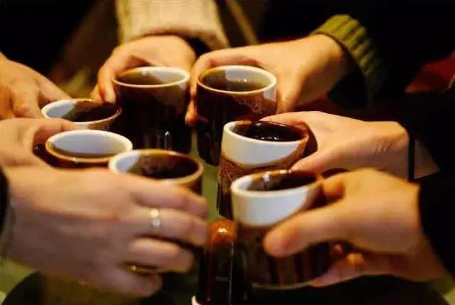 劝酒 有一种生活是:酒高了、茶深了......
