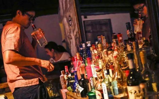 假酒,酒知识 假酒的实质危害有哪些?
