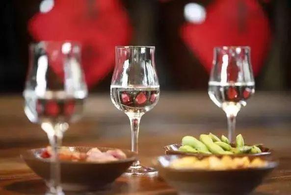 酒知识,酱香 喝酱香型白酒吃什么下酒菜好?