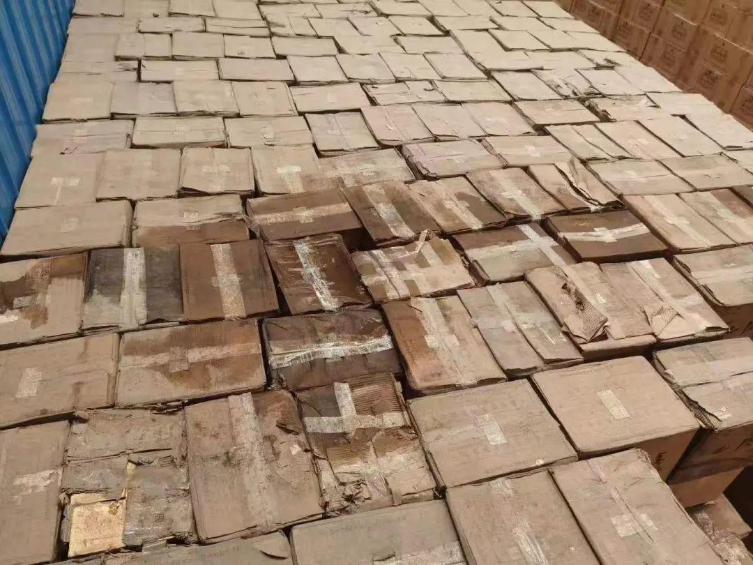 河南,新闻 暴雨下的郑州酒商:受灾不超过10%,有人3万箱货物被泡损失千万